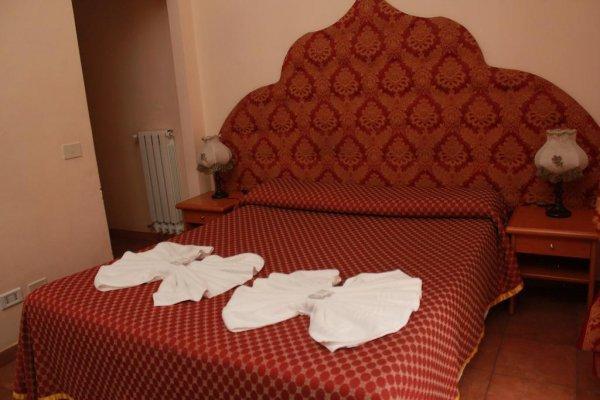 Albergue  And Hotel Il Papavero