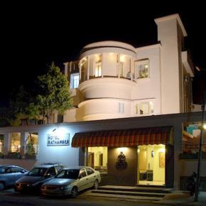 Albergues - Hotel Ratnawali