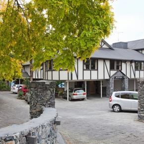Albergues - Mount Richmond Hotel