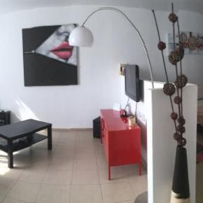 Albergues - Beautiful Stylish LFT in Young Vibrant TLV Centre