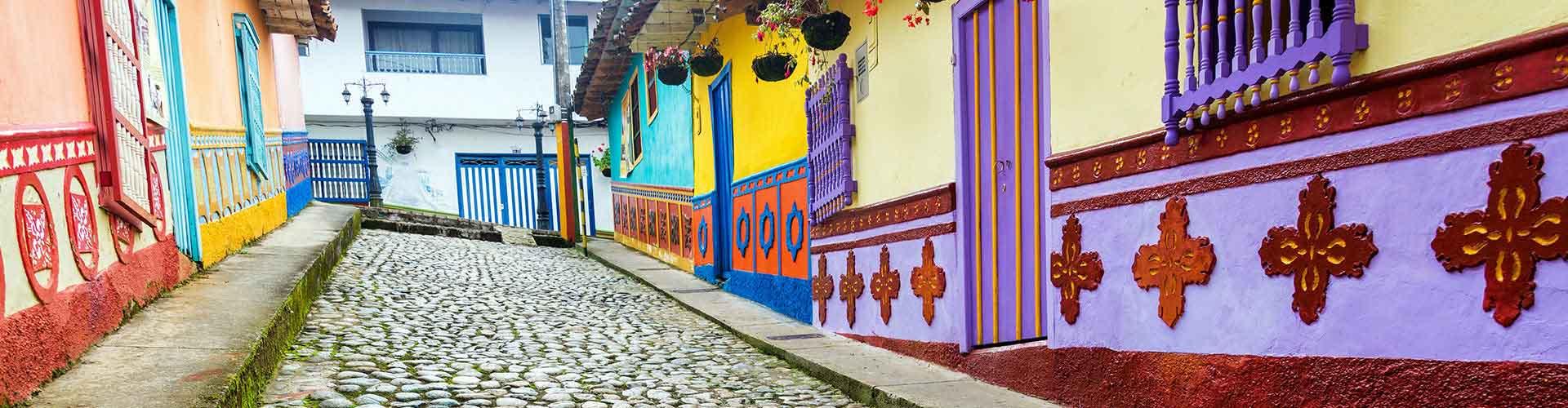 Medellín - Albergues Juveniles en Medellín. Mapas de Medellín, Fotos y Comentarios para cada Albergue Juvenil en Medellín.
