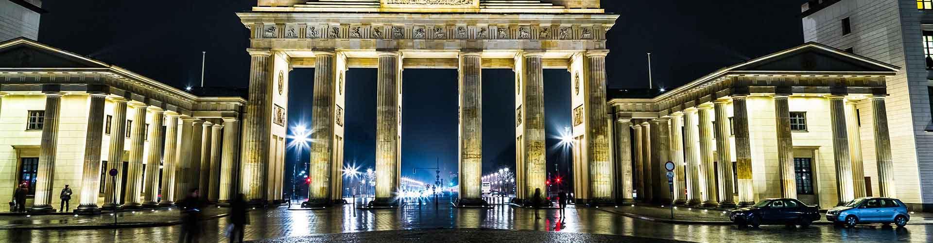 Berlín - Albergues Juveniles cerca a Puerta de Brandenburgo. Mapas de Berlín, Fotos y Comentarios para cada Albergue Juvenil en Berlín.